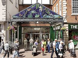 Straight on for Top Shop, turn right for Dorothy Perkins